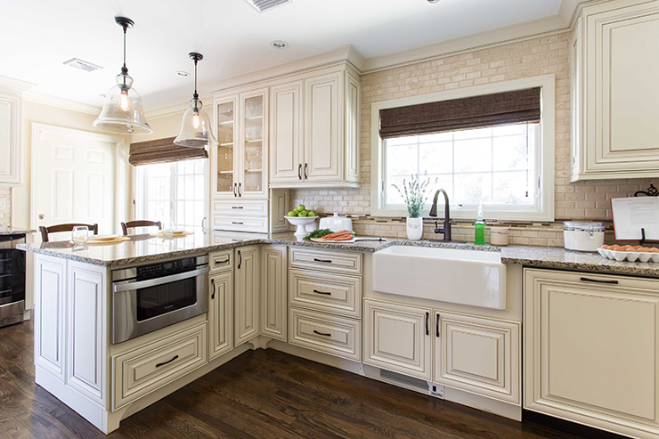 Classic Family Kitchen 10