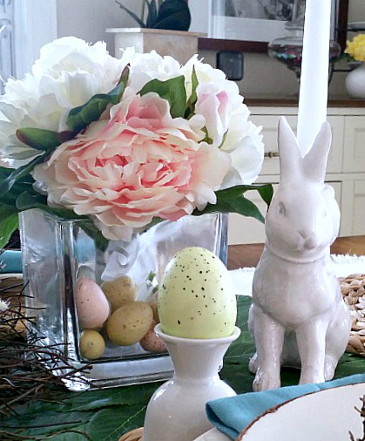 jeannecampanadesign - eastertable - closeup